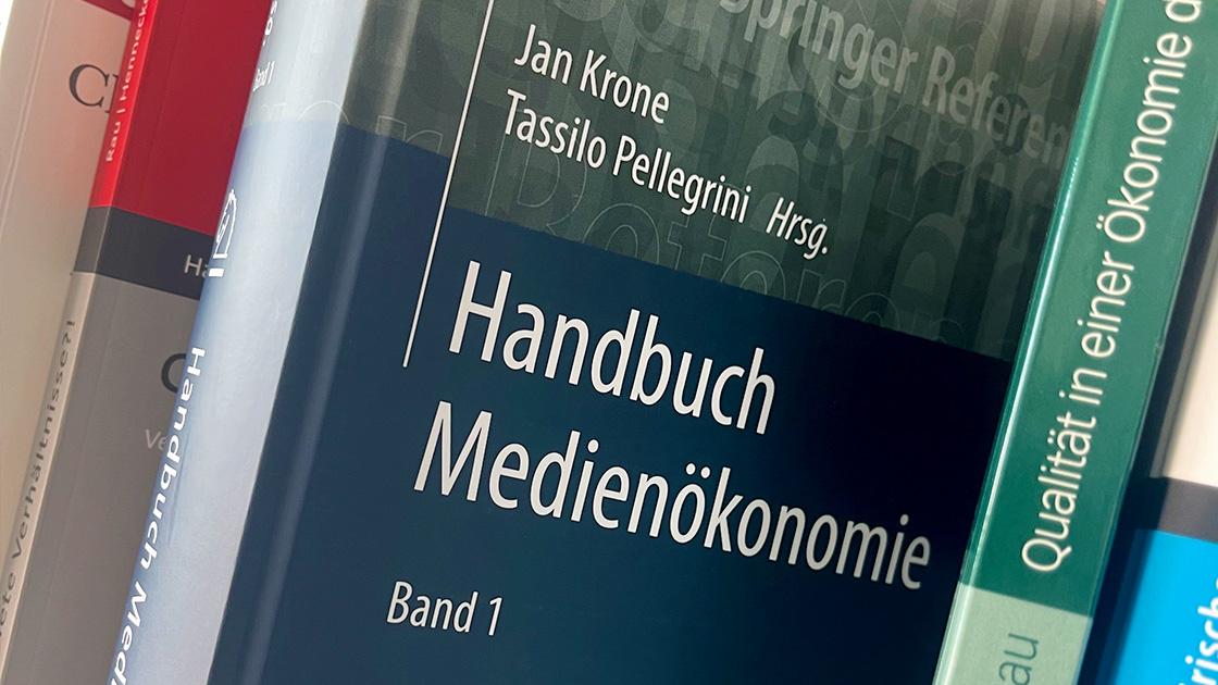 KomMa im neuen Handbuch Medienökonomie: Meritorik als zentrales Kapitel!